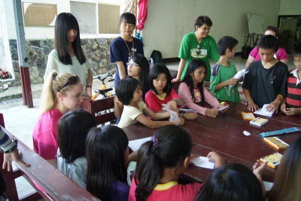 Lauren Harbaugh working with the children