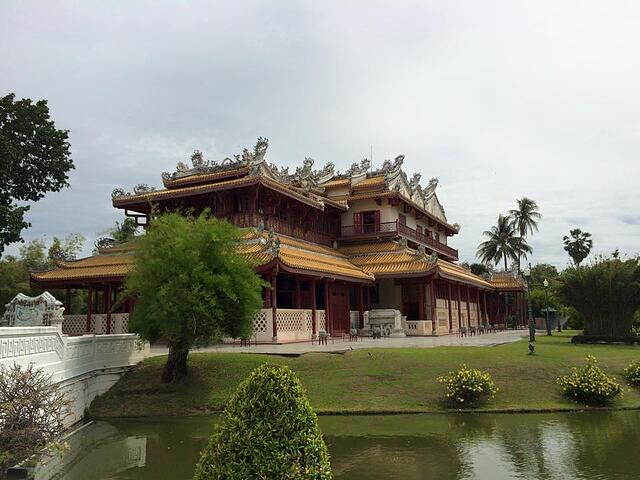 Bang_Pa-In_Temple.jpg