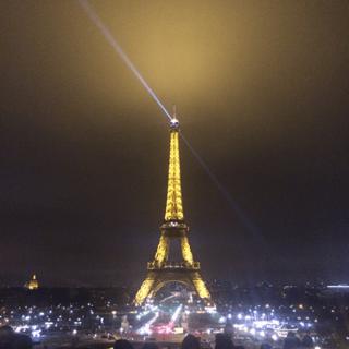 Eiffel_Tower_Night_1.png