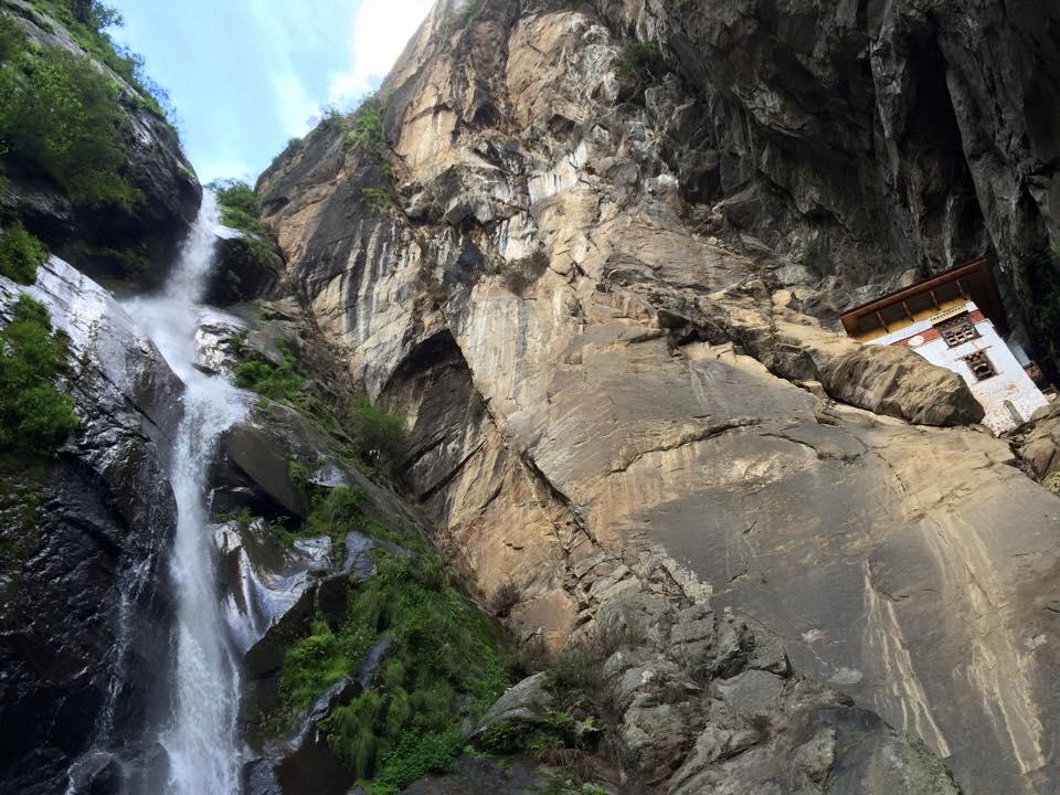 Taktshing_Waterfall.jpg